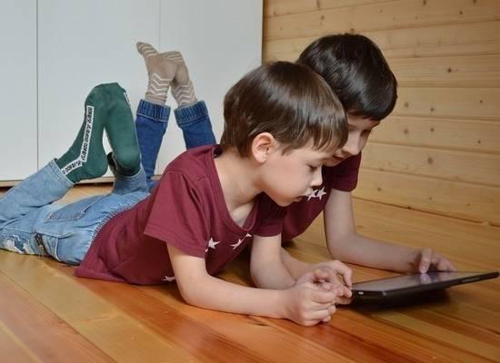 Названы признаки компьютерной зависимости детей и способы борьбы с ней