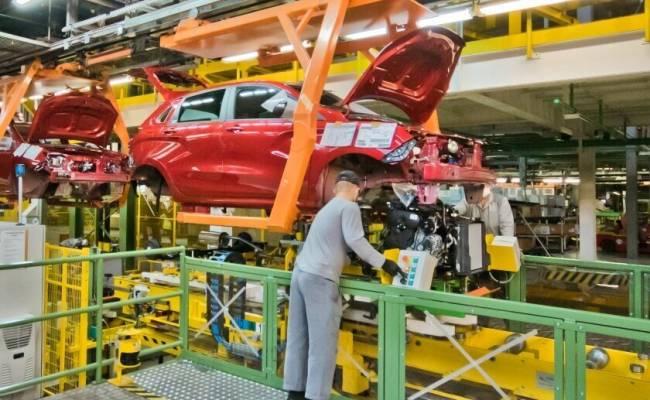 Стало известно, когда и на сколько АвтоВАЗ возобновит работу всех конвейеров
