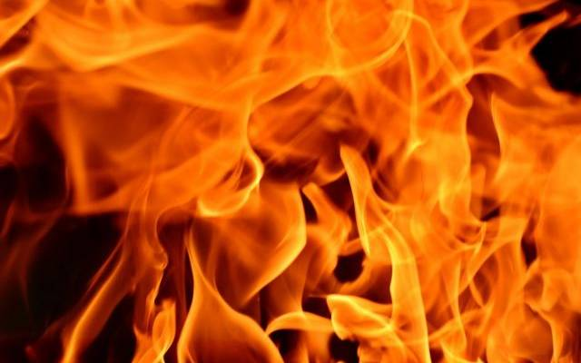 В Анапе 15 человек эвакуировали из-за пожара на балконе