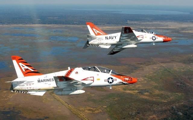 При крушении самолета ВМС США в Техасе пострадали пять человек