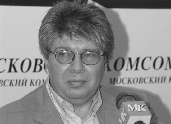 Подробности смерти кинокритика Кирилла Разлогова: септический шок