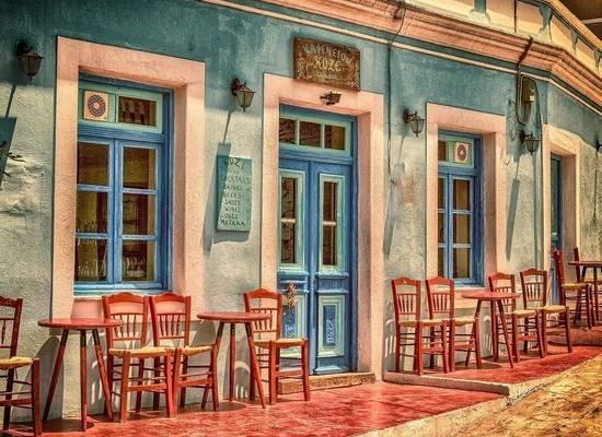 В Греции отменят ограничения для привитых туристов
