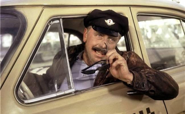 Две трети таксистов продолжают работать нелегально